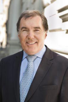 """Dr. Christoph Bruckner Mit-Eigentümer der PR-Agentur """"Die Kommunikationsberater"""" und Geschäftsführer des Corporate Communication Clusters Vienna (CCCV)."""