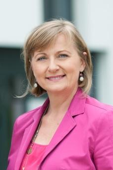Mag.a Manuela Vollmann, Gründerin, Geschäftsführerin und Vorstandsvorsitzende von abz*austria
